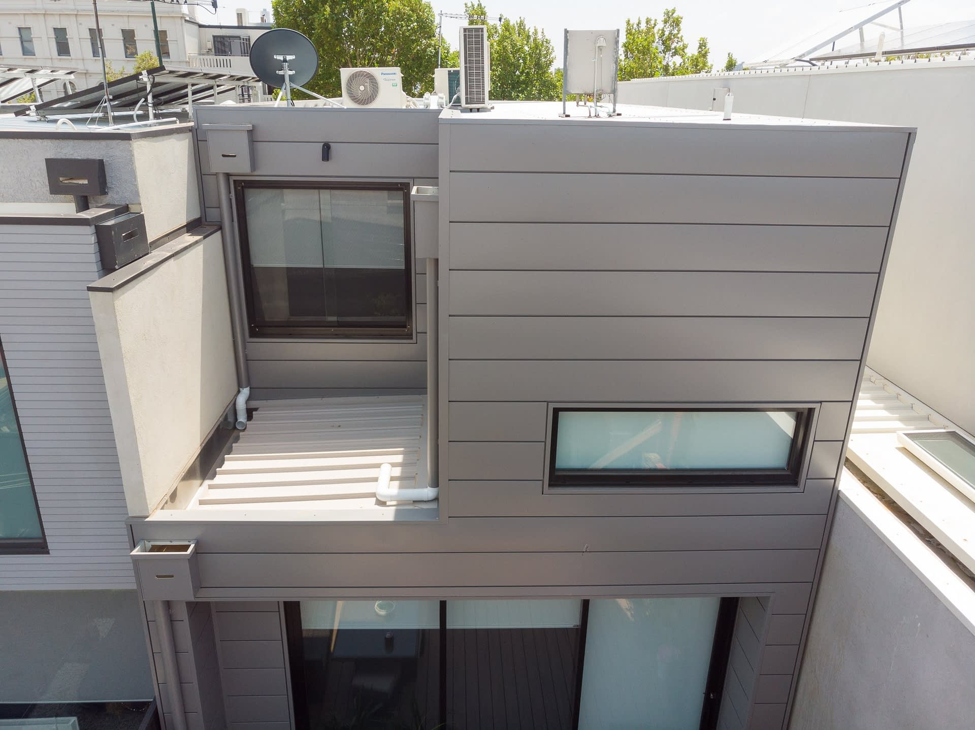 , COLORBOND® Metallic Steel Interlocking Panels Dazzle