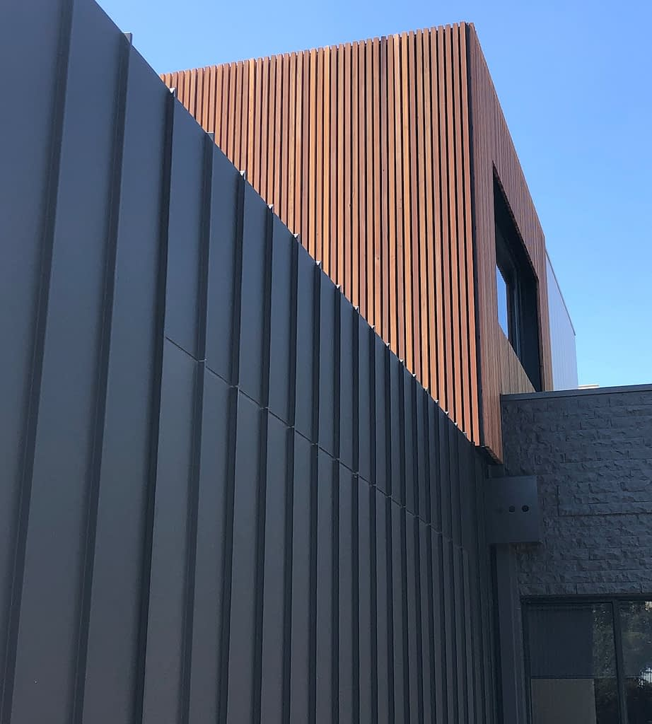 , Standing Seam Metal Cladding At Its Regional Best Stops Traffic